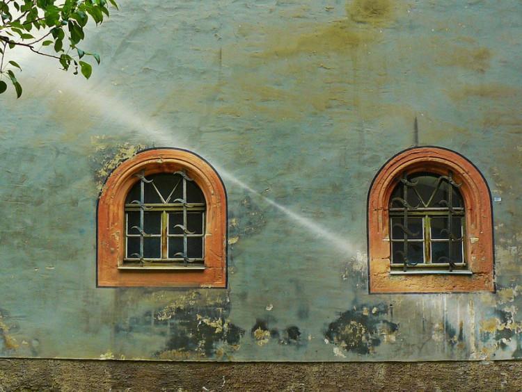 Benedek Miklós: Irodalom és házak 1. / A sámán háza