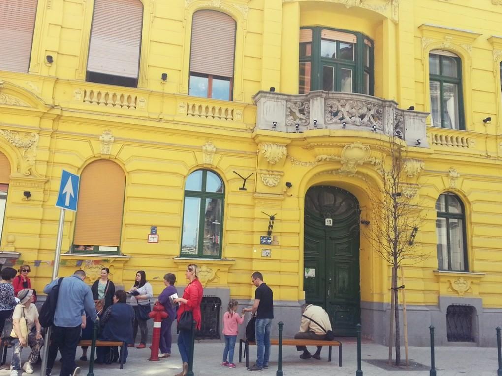 Bródy Sándor utca 19.: Jókai rövid, kísérletező szövegeket írt itt