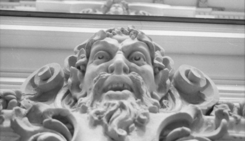 Lapis József: Irodalom és varázs II. / Sámán