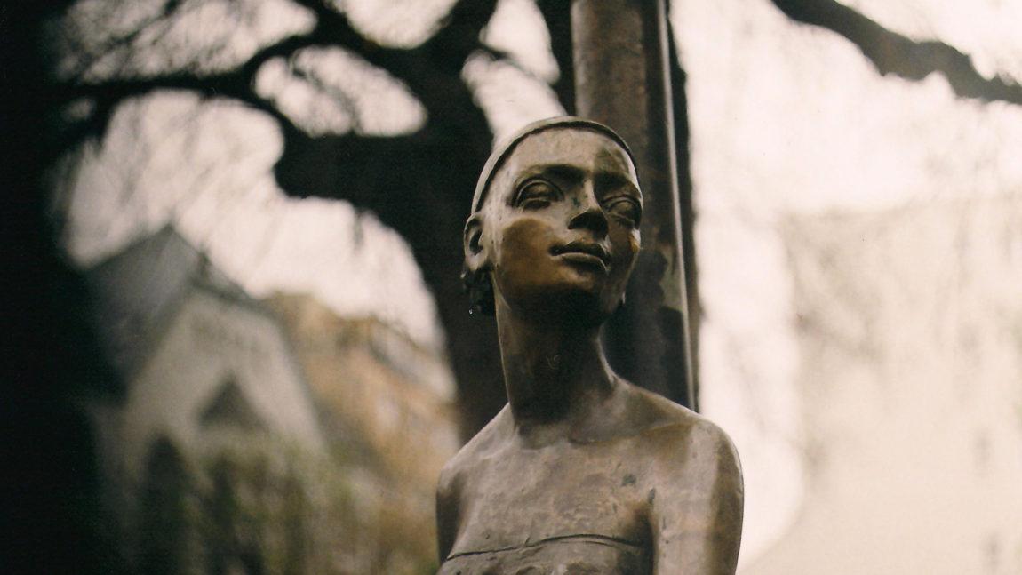 Manyo B. Ilona: A nő