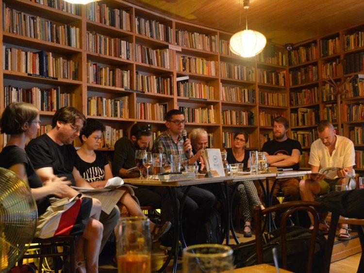 Az utazás remek dolog – a kolozsvári Helikon lapszámbemutatója (galéria)