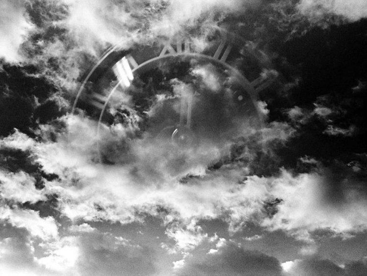Kukorelly Endre: A felhő, a felleg és a fodor (vers)