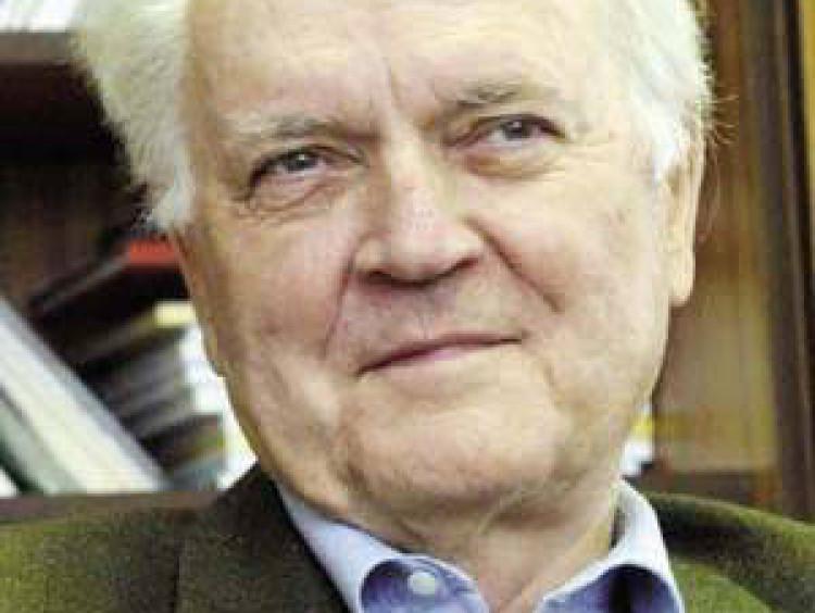 Dobos László – alapító főszerkesztő