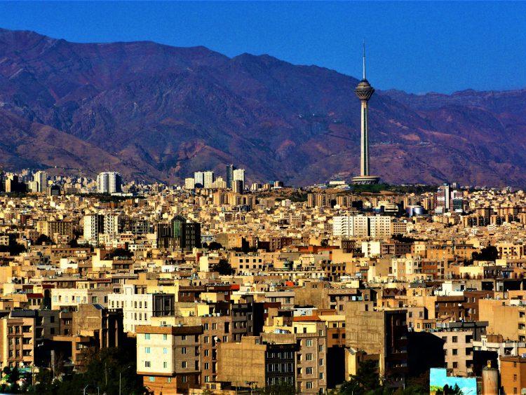 Székely Márton: Drágakővel teli föld III. / Teherán, 2017–2018, tél